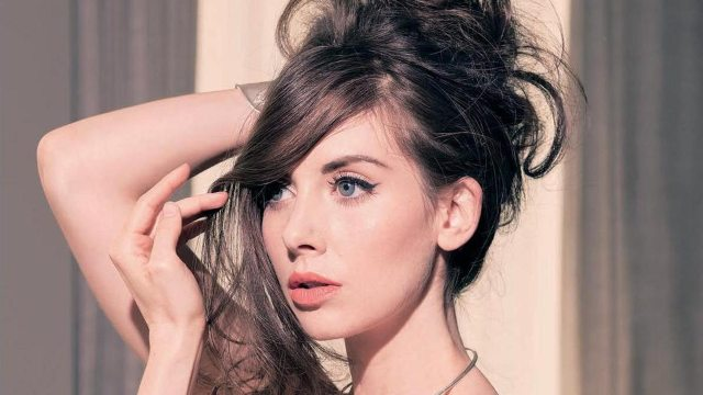 Alison Brie's height 1