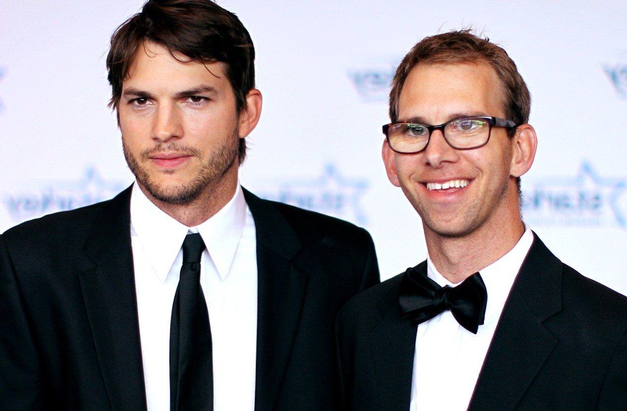 What Is Ashton Kutchers Shoe Size