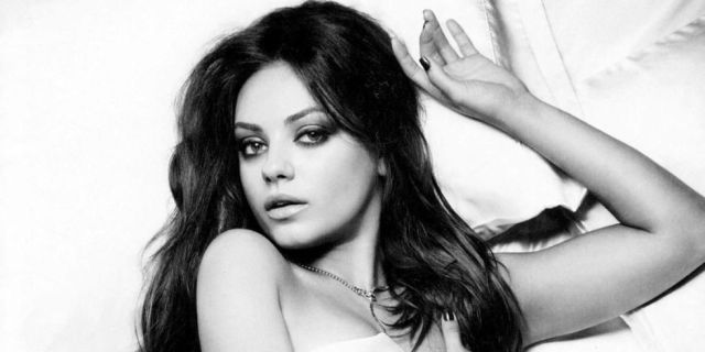 Mila Kunis' height 2