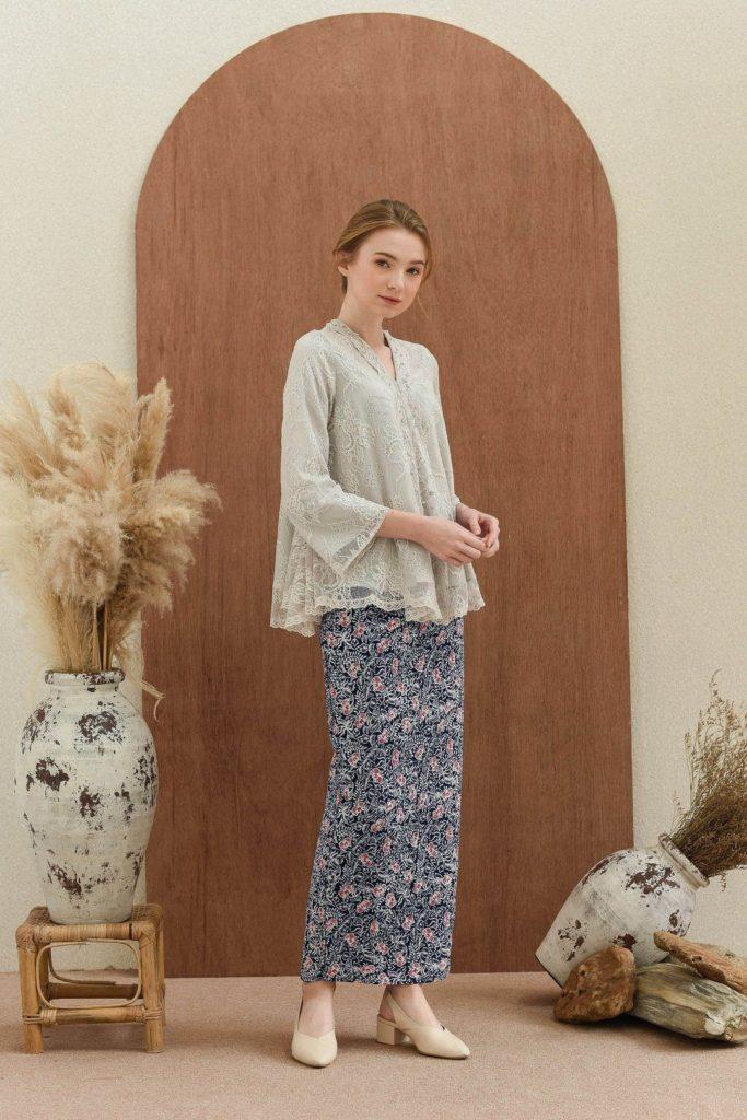 model baju pesta bawahan batik