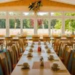 Frühstücksraum im Hotel Heilemann mit Blick nach draußen