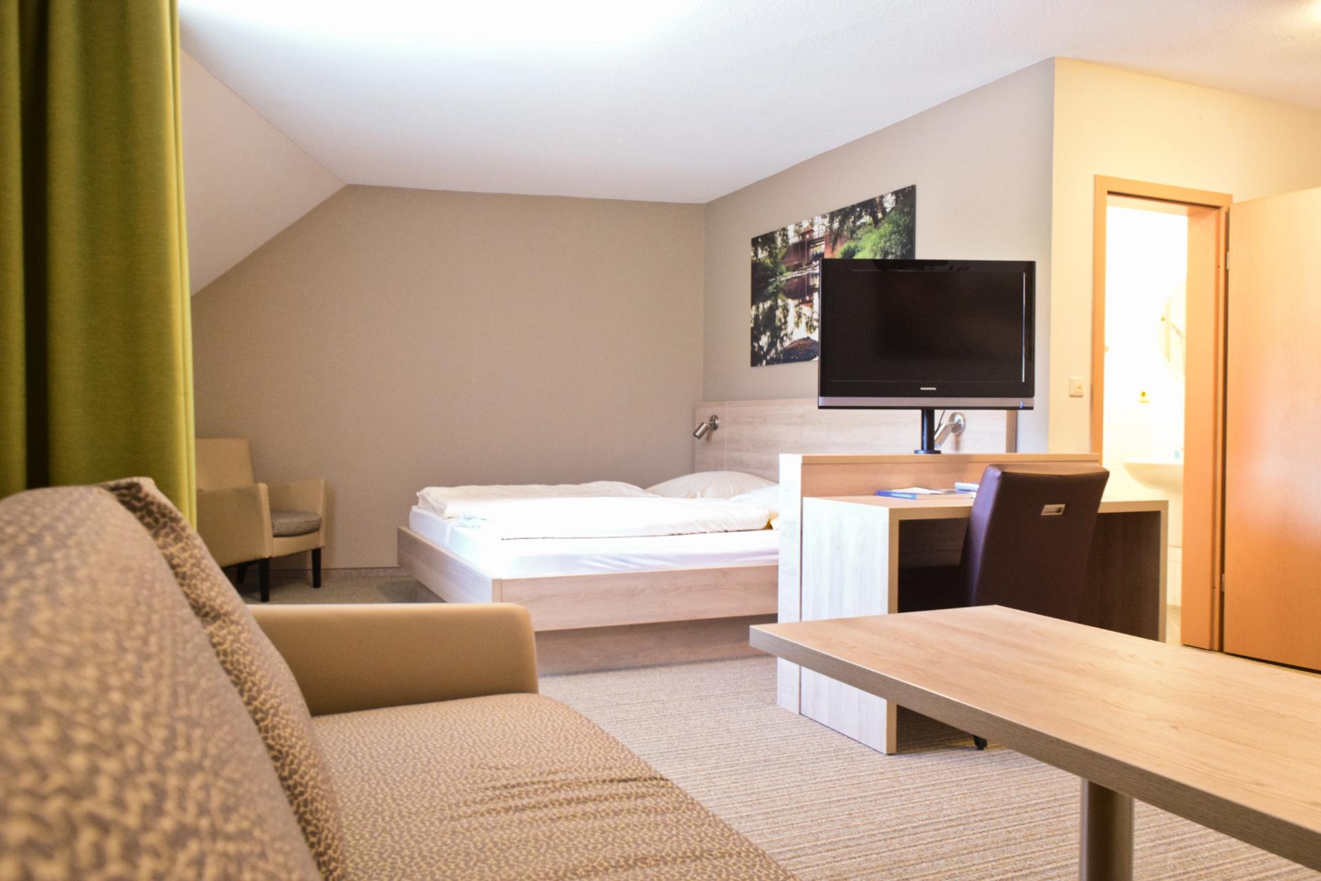 Großzügiges Hotelzimmer