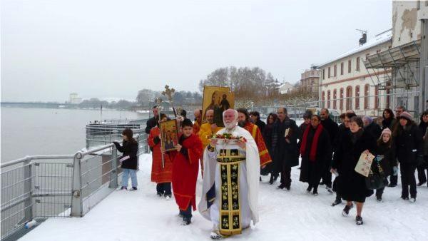 Heiliger-Georgios-Wiesbaden / Theophanie, die alljährlich am 06. Januar stattfindet.