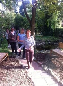 Gehübungen vom Qigong, Laufen auf dem Lotus beim Bildungsurlau TCM mit Doris Seedorf Heilpraktikerin aus Bremen