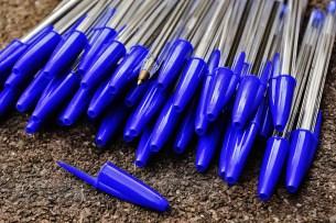 Kugelschreiber (blau): Zusammengebaut in Heimarbeit