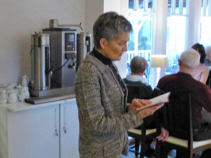 Margret Picklapp liest eine ungewöhnliche Weihnachtsgeschichte