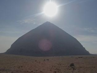 エジプトの屈折ピラミッド