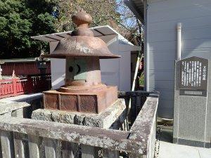 和泉三郎が塩竃神社に寄進した神灯
