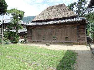 中山の農村歌舞伎舞台