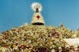 ピラール祭での聖母マリア像