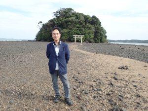 壱岐島内海湾の小島神社