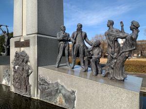 「開拓者の群像」の3人