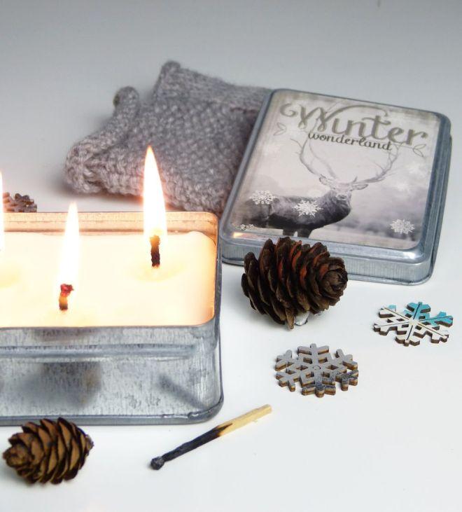 Kerze in der Metallschachtel