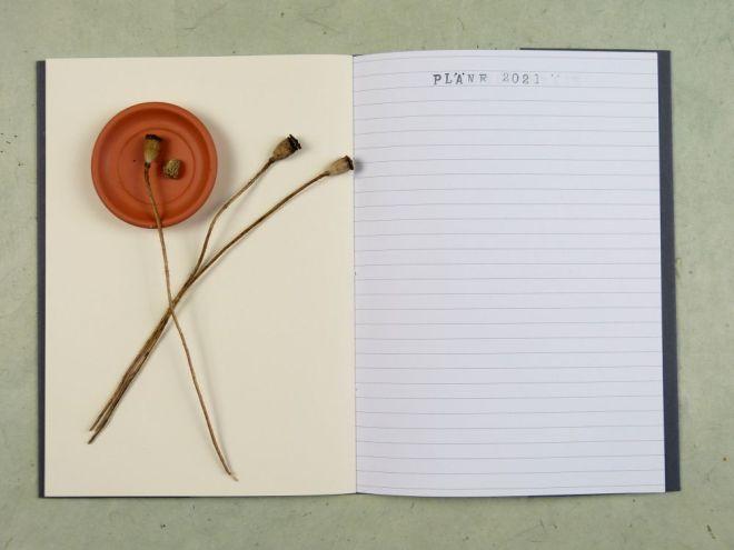 Notizheft mit gemischtem Papier selber machen, linierte und weiße Seiten