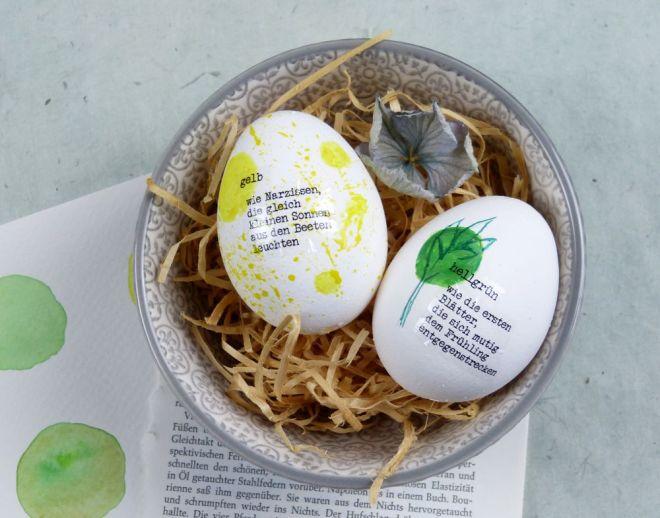 minimalistische Ostereier mit Text und Gedicht