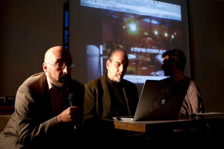 2011. Lecturing with Tuxedomoon's Peter Principle and Anselmo Canha. @ futureplaces (PT).
