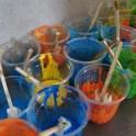 チャイのカップ・アイスの棒・布の切れ端で絵描きセット完成!