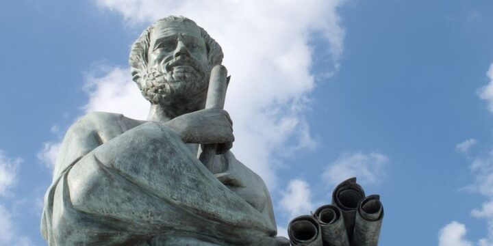 لم الفلسفة مهمة جدًا في التعليم العلمي؟ - سابرينا إي سميث / ترجمة: نورة المقرن