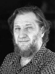 د. ميستشافيك نيناد، فيلسوف كرواتي، وكاتب مقالة القومية