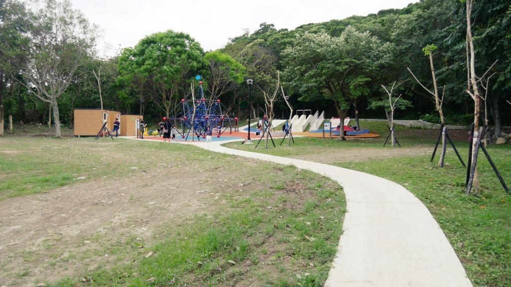 花蓮美崙山裡的小親子確幸,共融式遊具的新親子公園