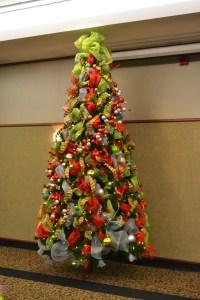 Home And House Christmas Decoration Cool Christmas Tree ...