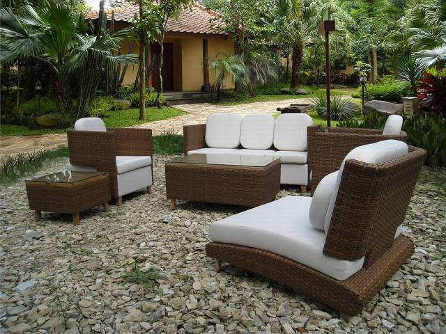 best small outdoor patio set and