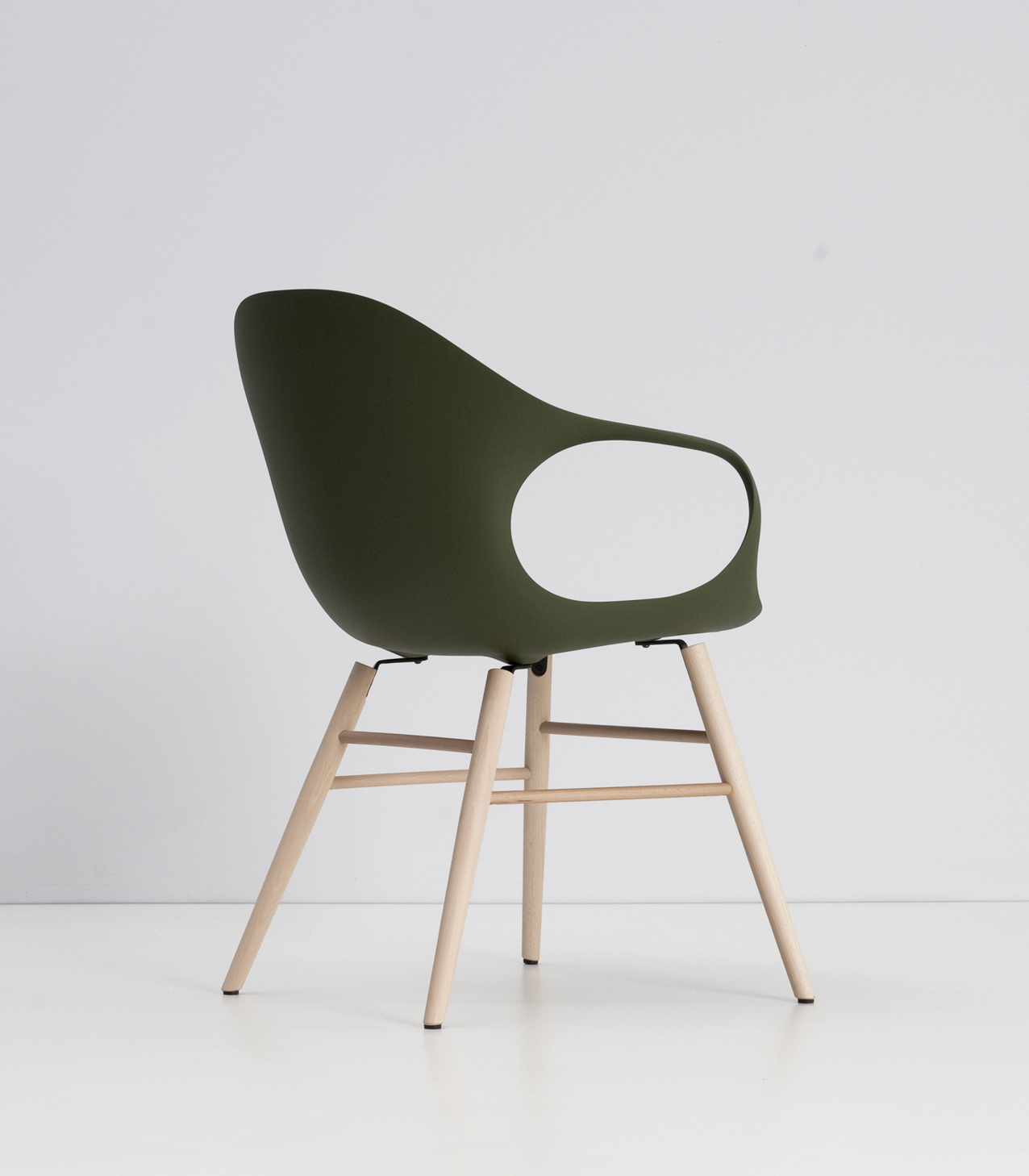Modern Fold Design Foot On Elephant Chair With Wooden