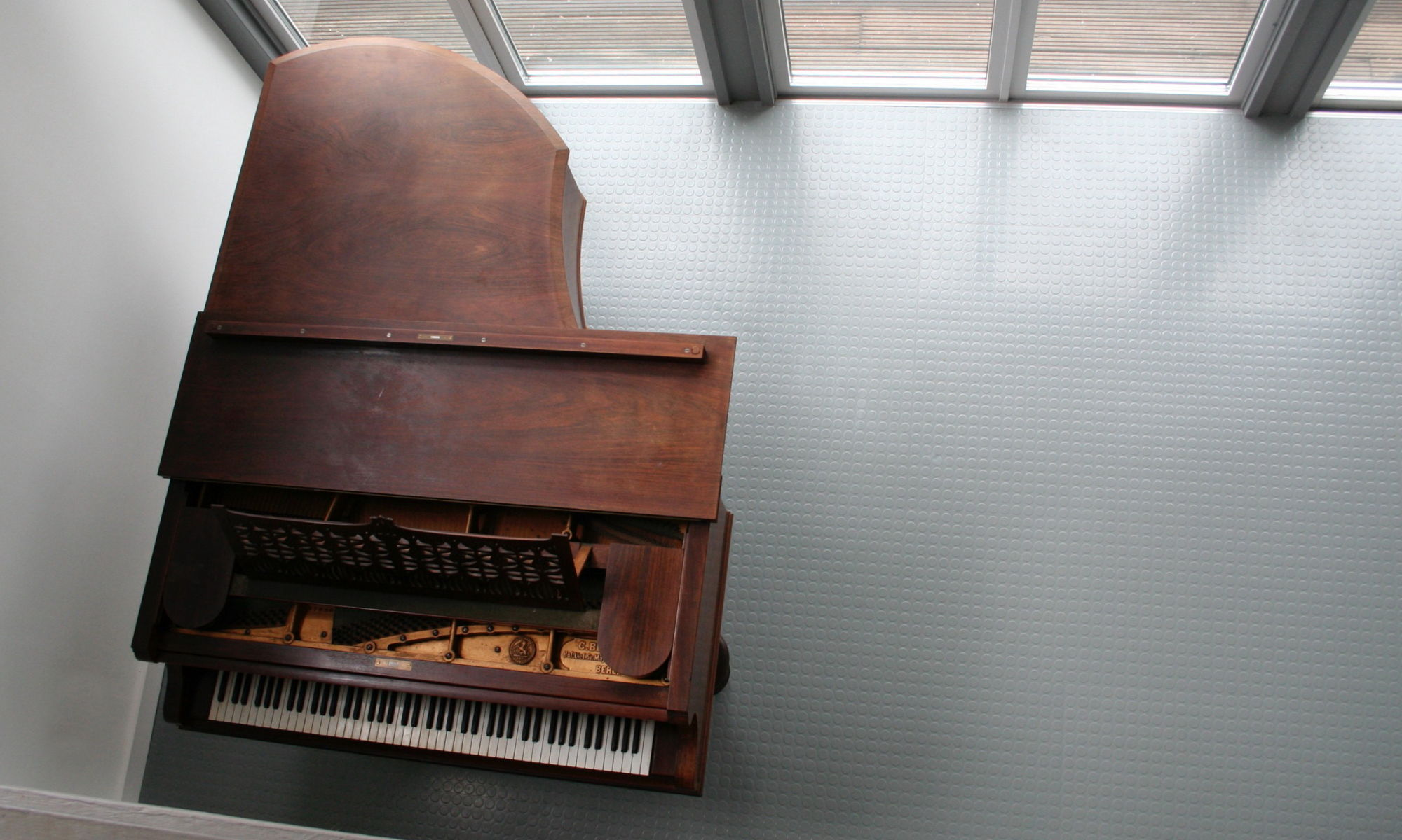 Location shout of piano by Heledd Wyn