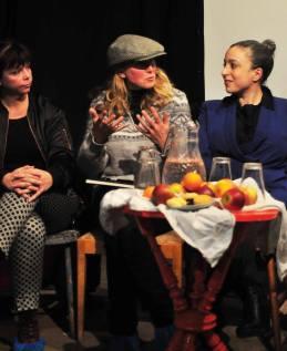 Carina Nilsson, Anna Emmelin, Ronnit Hasson at Långsjö teater