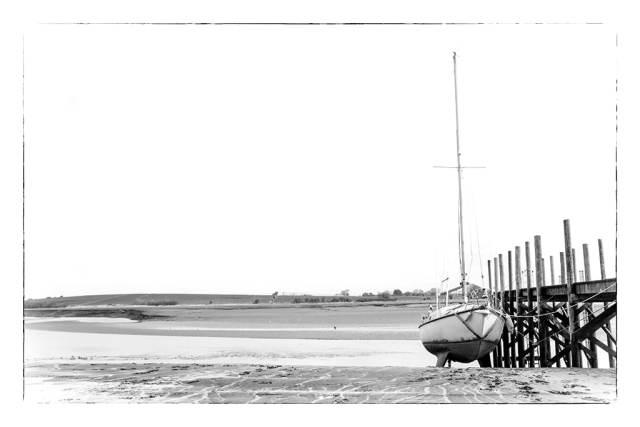 minimalist yacht WEB