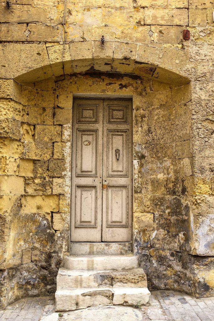 Door stone archway historic Malta