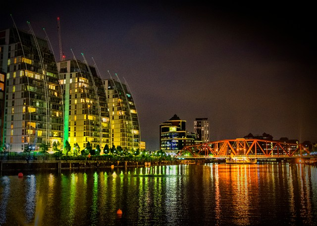 Green Apartments Orange Bridge Salford Quays