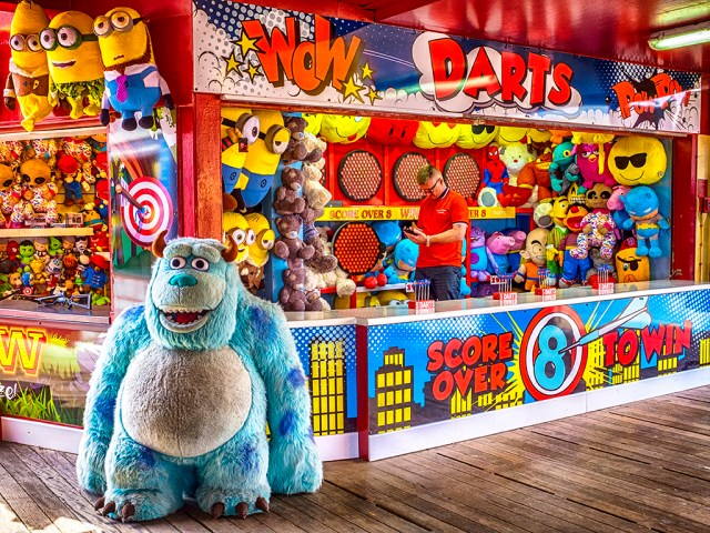 Wow! A Smile! Blackpool pier darts amusements