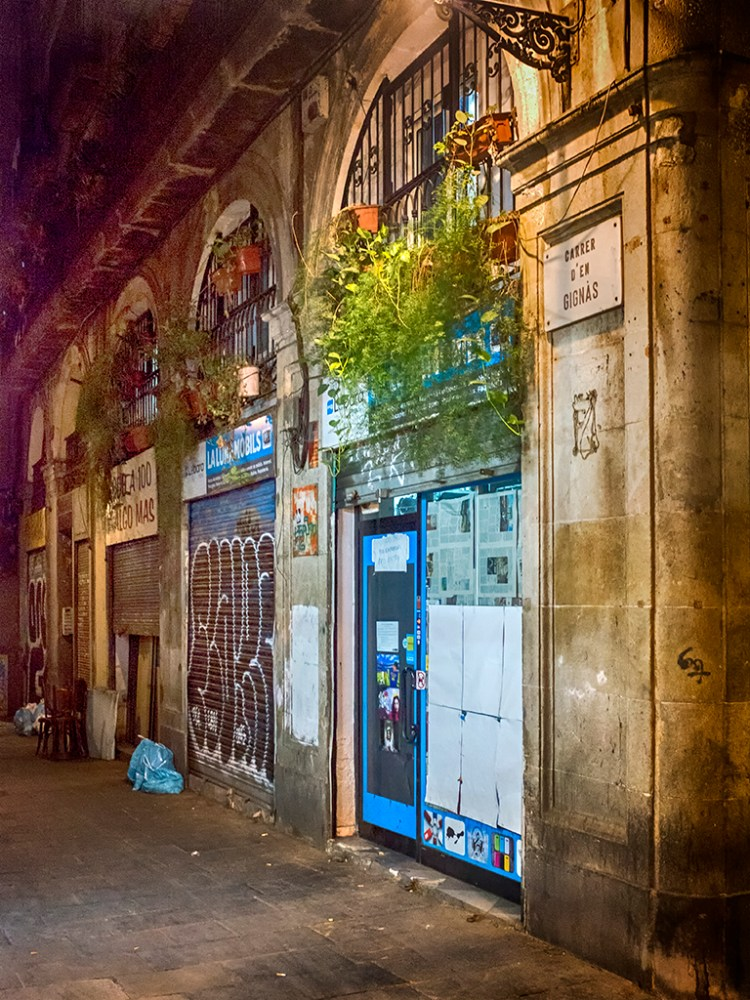 Carrer d'en Gignas Barcelona Gothic Quarter night shops