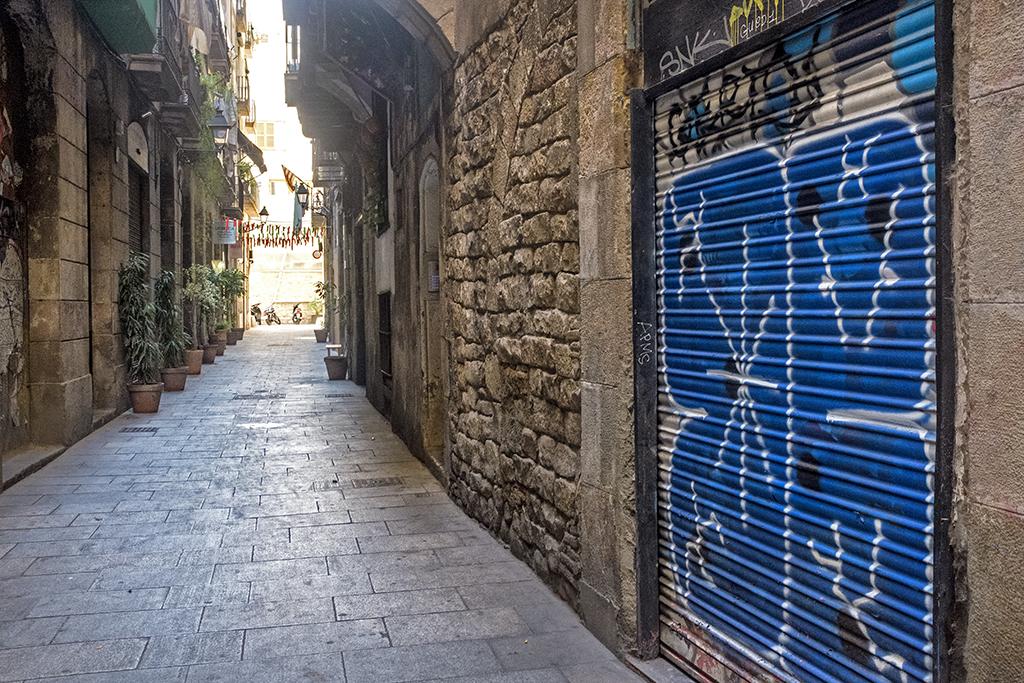 Blue RollerBlind gothic quarter Barcelona