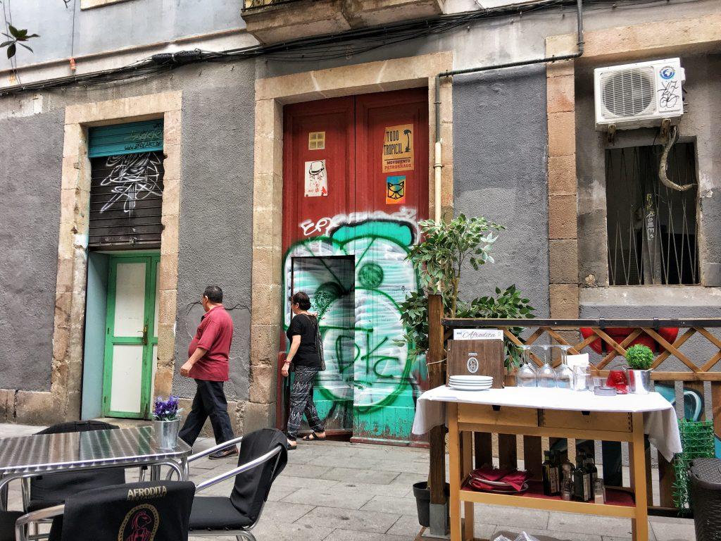 BARCELONA AFRODITA RESTAURANT Gothic Quarter doors & BARCELONA: Where Doors have Eyes! - PHOTOPHILE