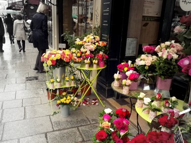 I find there is nothing more appealing to me than a pretty shop display, and this one on a street in Paris ticked all my aesthetic boxes! The flowers smelled wonderful too. These little sightings have fostered in me a travel philosophy: sometimes you should skip the tour bus in favour of a leisurely stroll.