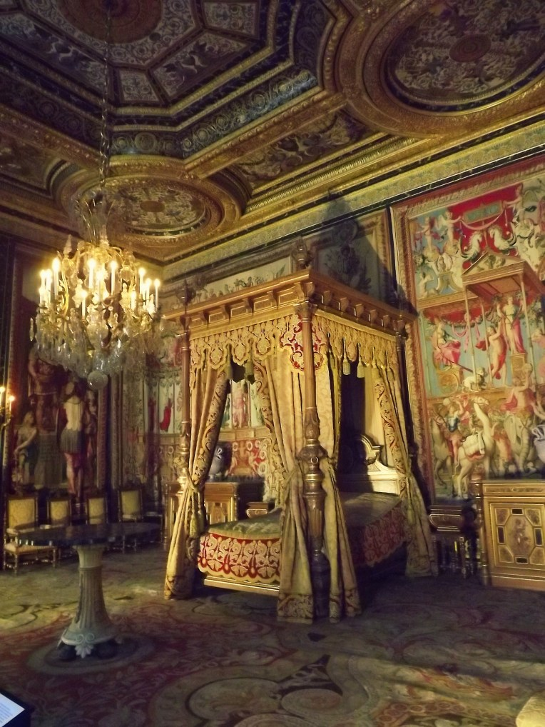 If you are going to sleep, why wouldn't you want it to be in a bed like this? This was one of those rooms that had my jaw hanging open in shock at the level of opulence displayed.