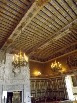 I adored the pretty decoration in this room - the roof was so gorgeous!
