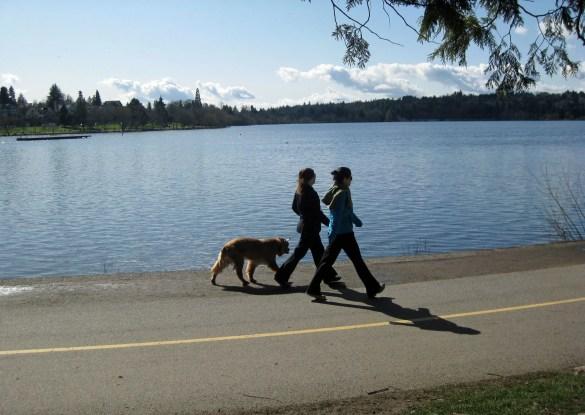 Green Lake: girls with dog