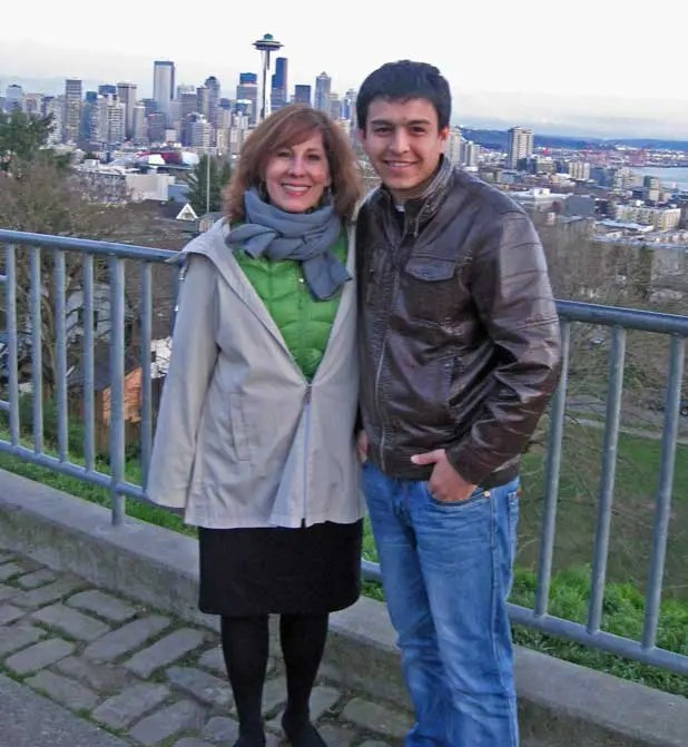 I'm with Uzbek TV news photographer Azizjon A. at Seattle's Kerry Park – and just noticed I'm wearing the colors not only of the Seattle Seahawks but also of Uzbekistan: green and blue! (March 2013)