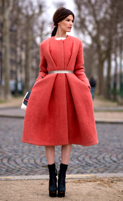 paris fashion week Street Style,Hanneli Mustaparta,Coral Coat,Colorblock Tote,Calvin Klein Collection coat ,silver belt,The Row bag,Acne boots,how to wear coral, colored coat,early spring outfit, helenhou, helen hou, the art of accessorizing, accessoriseart, celebrity style, street style,   lookbook, model off-duty,red carpet looks,red carpet looks for less, fashion, style, outfits,   fashion guru, style guru, fashion stylist, what to wear, fashion expert, blogger, style blog,   fashion blog,look of the day, celebrity look,celebrity outfit,designer shoes, designer   cloth,designer handbag,