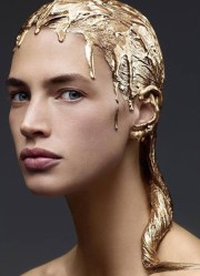 woman in gold peter gray hair