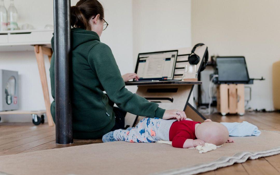 Por qué debes dejar de ser una mamá multitarea