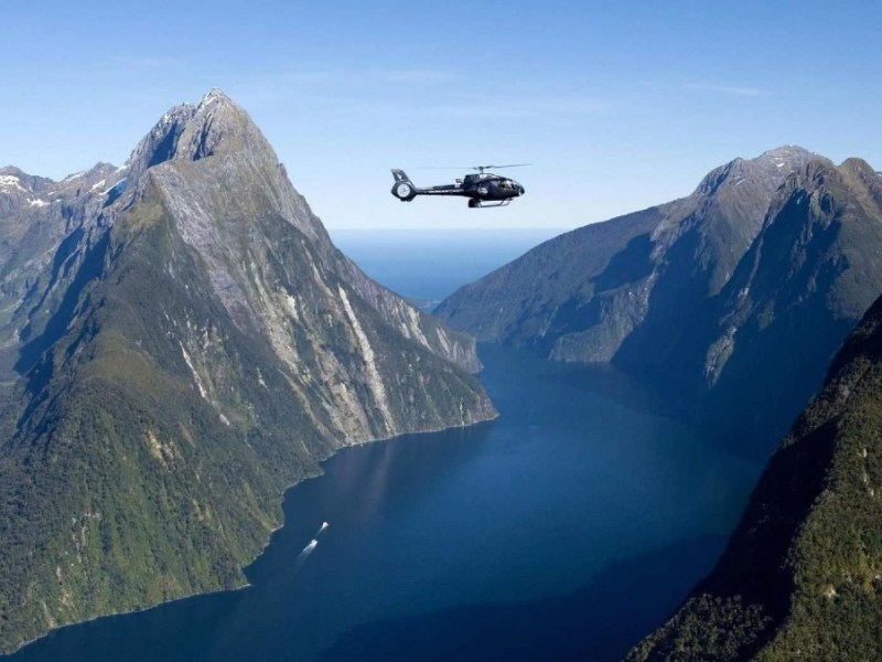 Helicopter tour to Milford Sound