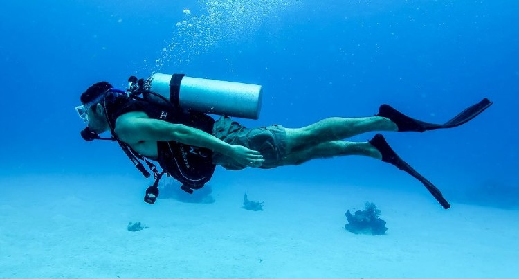 Scuba Diving before Helicopter tour