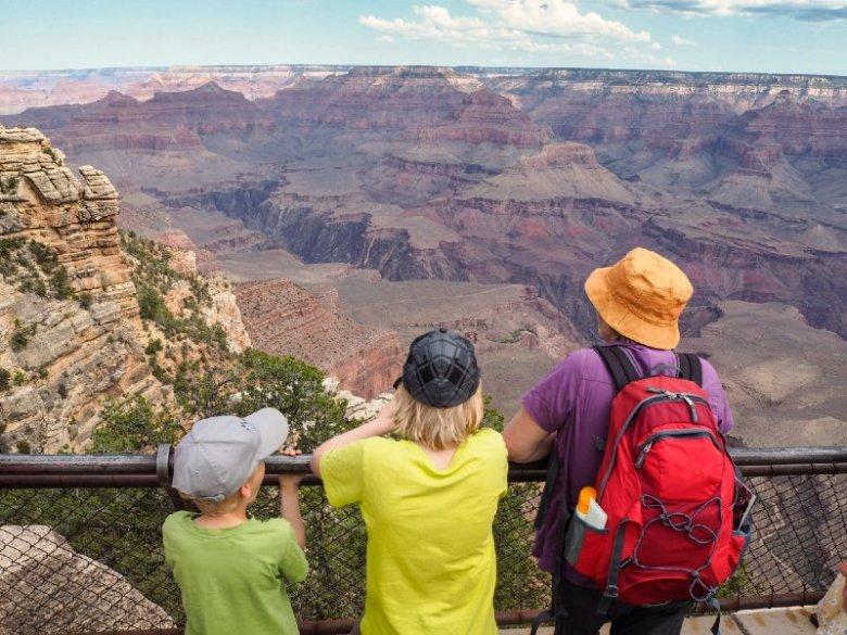 Coach tour to Grand Canyon West