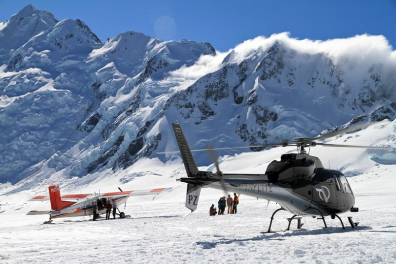 Mount Cook flight on ski plane and helicopter