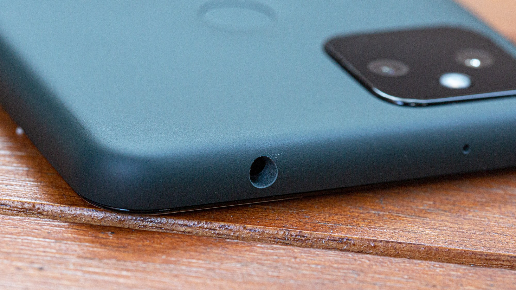 There's that beautiful headphone jack.