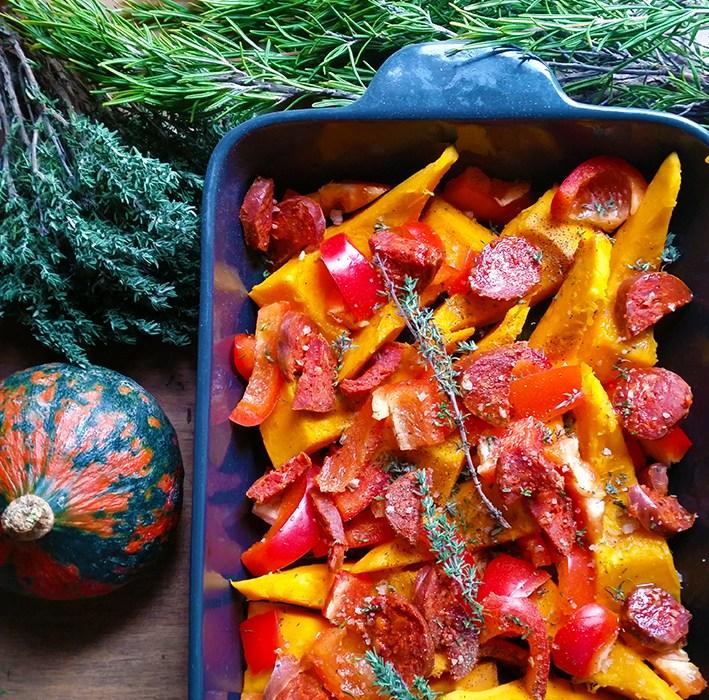 Potimarron rôti au four, poivron, chorizo et thym
